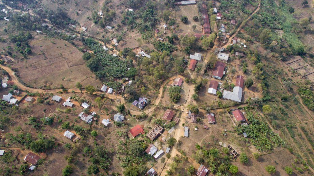 In und um Bugarula gibt es 14 Schulen und 27 Betriebe, Krankenstationen, Kirchen und weitere öffentliche Einrichtungen, die von der Stromversorgung profitieren sollen.
