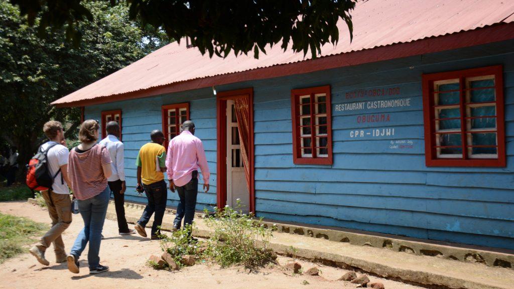 Unser Projektpartner CPR hat in Bugarula mehrere Projekte initiiert, darunter dieses Restaurant, welches Besuchern der  Insel kongolesische Köstlichkeiten serviert.