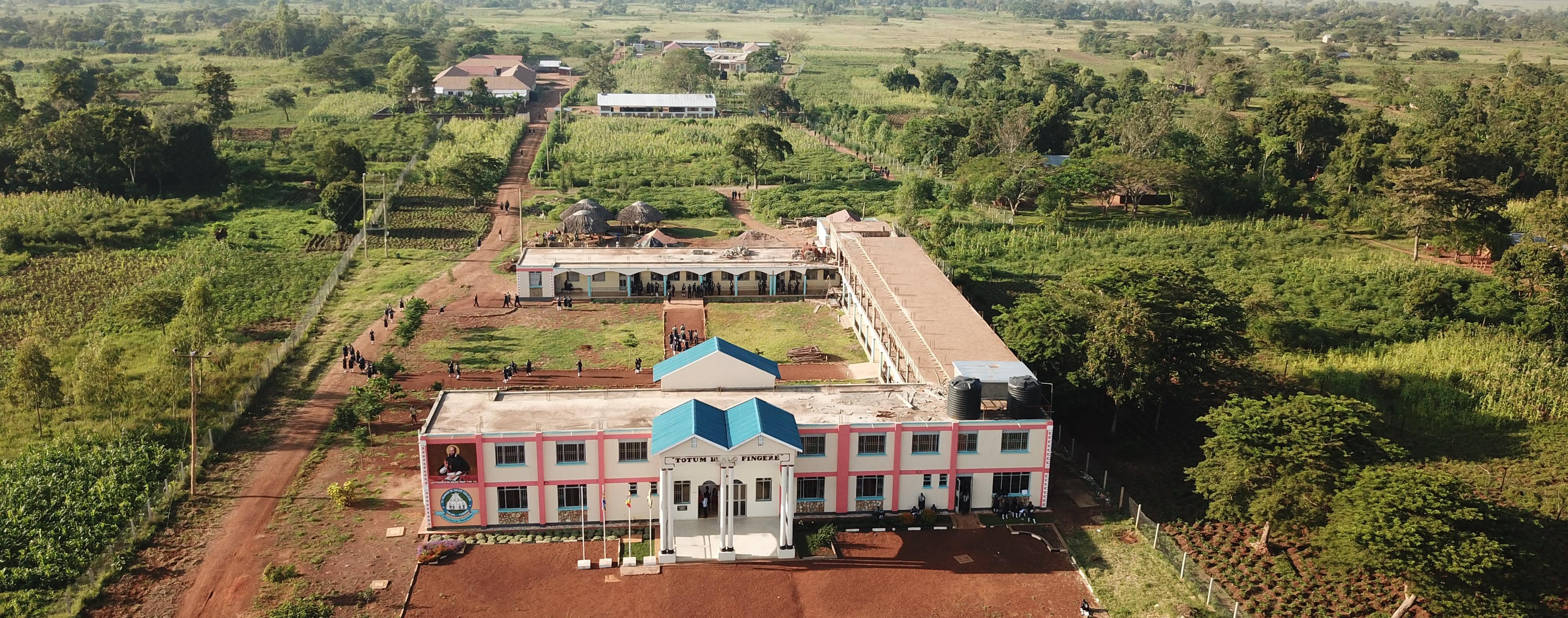 Ungefähr 600 SchülerInnen besuchen die Schule zur Zeit