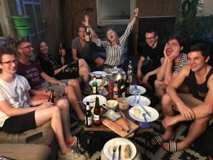 Viel Freude herrscht beim gemeinsamen Grillen