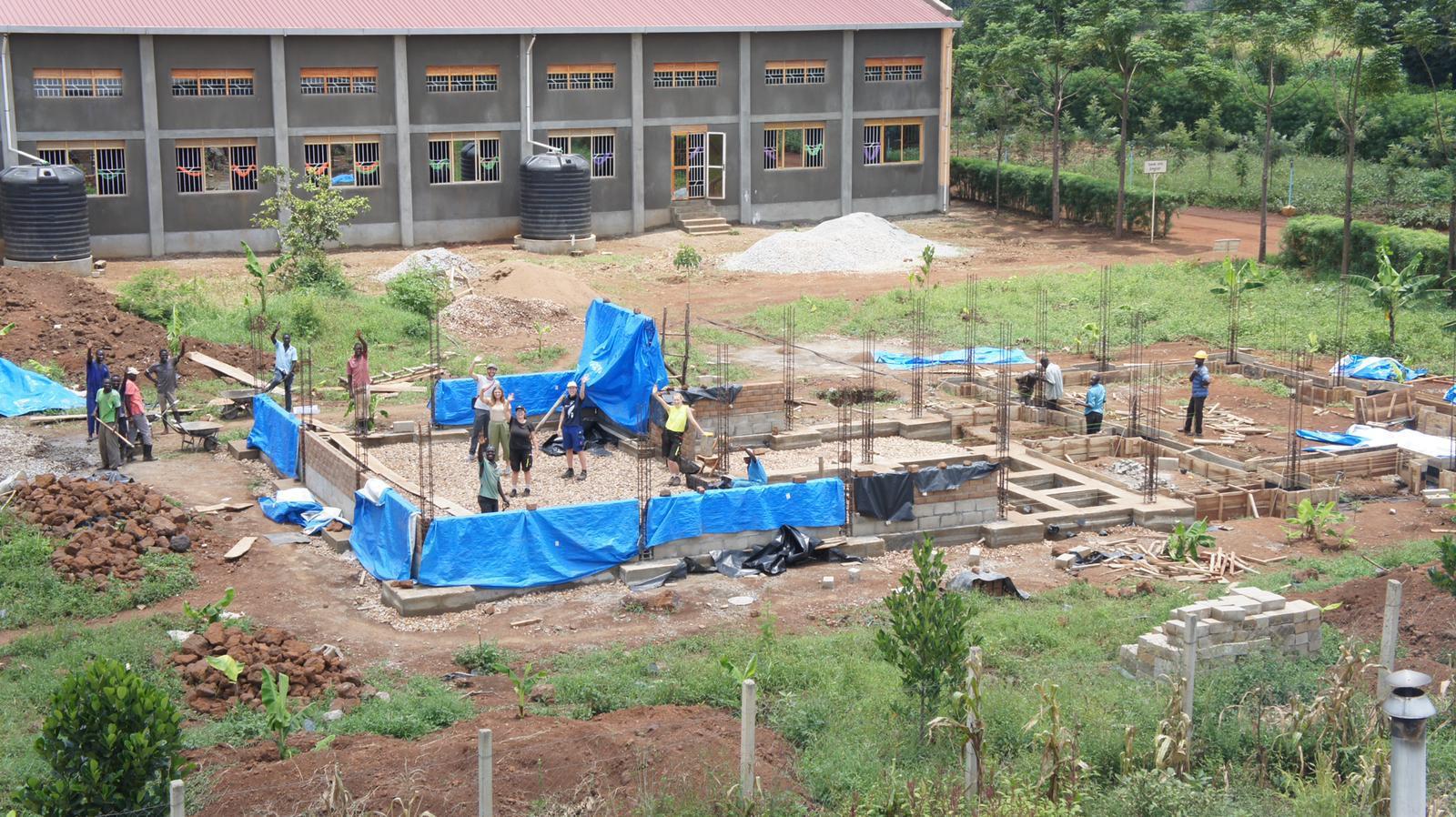 Sicht vom Hochtank der Schule auf unsere Baustelle