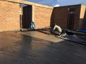 Gießen der ersten großen Bodenplatte