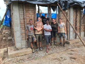 EWB-Team mit Father Robert letzte Woche