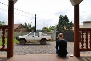 Geschafft! Nach einer ganztägigen Reparatur sind wir bei Jörgs Haus am Rande Kampalas angekommen