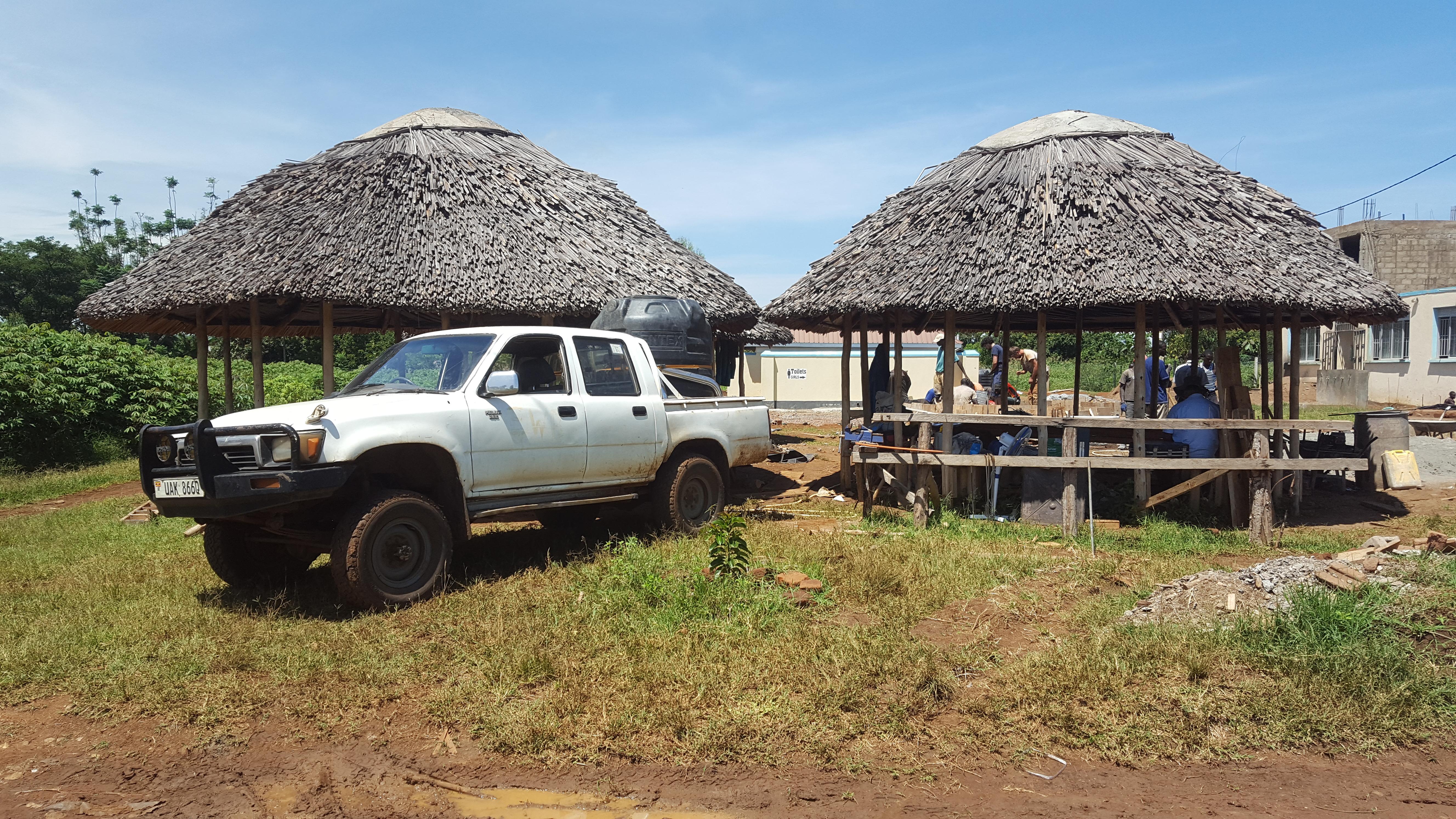 Wasser marsch - Unserem Auto transportiert 1.000 Liter zur Baustelle.