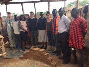 Im Kwa Moyo Projekt:  die Stone Factory wird aufgebaut